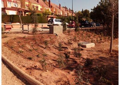 Jardín y Área recreativa la Marxadella. Detalle plantaciones entrada.