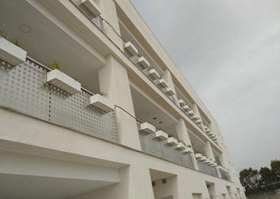 Apartamentos en playa Puçol. Casa Verde. Detalle maceteros.