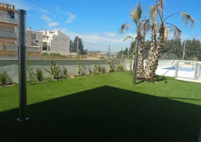Apartamentos en playa Puçol. Casa Verde. Detalle plantación jardín.